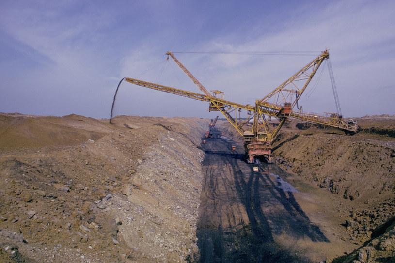 W tym roku polskie kopalnie wydobędą ok. 1,5-2 mln ton mniej węgla kamiennego /1996-98 AccuSoft Inc., All rights reserved /© Glowimages