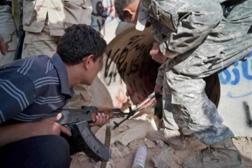 W tym tunelu przed śmiercią ukrywał się Kaddafi /AFP