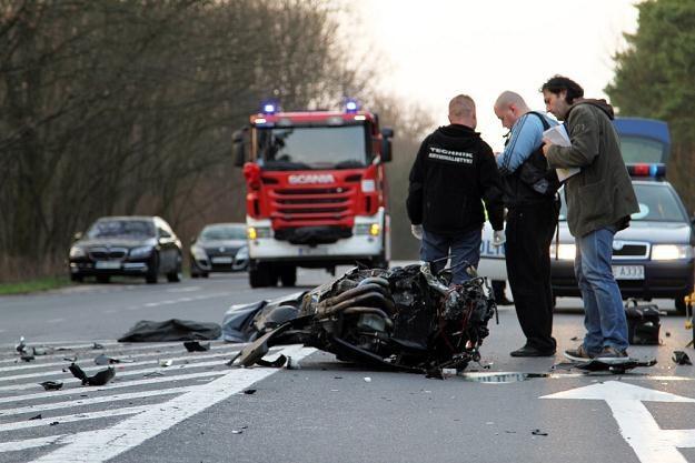 W tym wypadku zginął motocyklista, który najechał na tył ciężarówki / Fot: Piotr Jedzura /East News