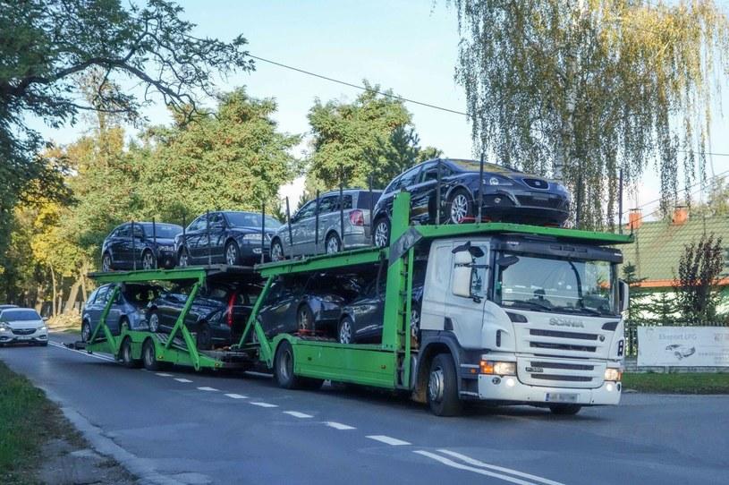 W ubiegłym roku ceny transportu aut spadły /Piotr Kamionka/ REPORTER /Agencja SE/East News