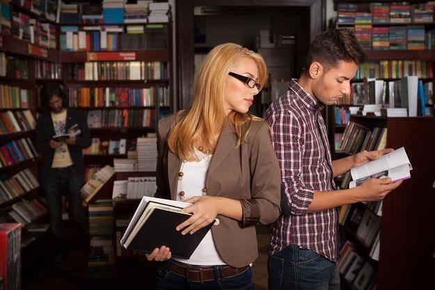 W ubiegłym roku przychody ze sprzedaży książek skurczyły się o 7,5 proc., do 2,48 mld zł /©123RF/PICSEL