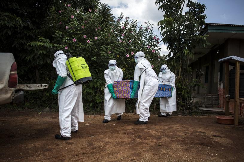 W ubiegłym tygodniu w Demokratycznej Republice Konga na ebolę zmarły 24 osoby /JOHN WESSELS /AFP
