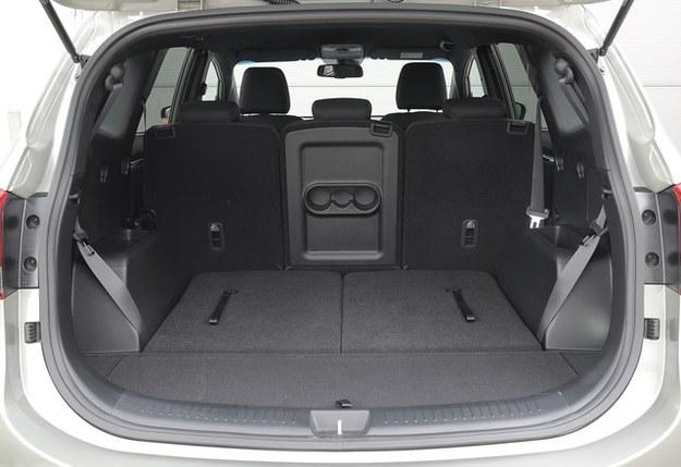 W układzie 5-osobowym bagażnik liczy 492 l pojemności. Nie jest to może wartość rekordowa, ale wystarczająca. /Motor