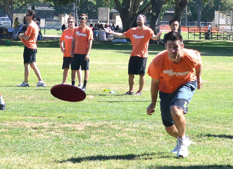 W ultimate frisbee nie ma sędziów. Gracze sami dbają o to, aby zasady były przestrzegane /AFP