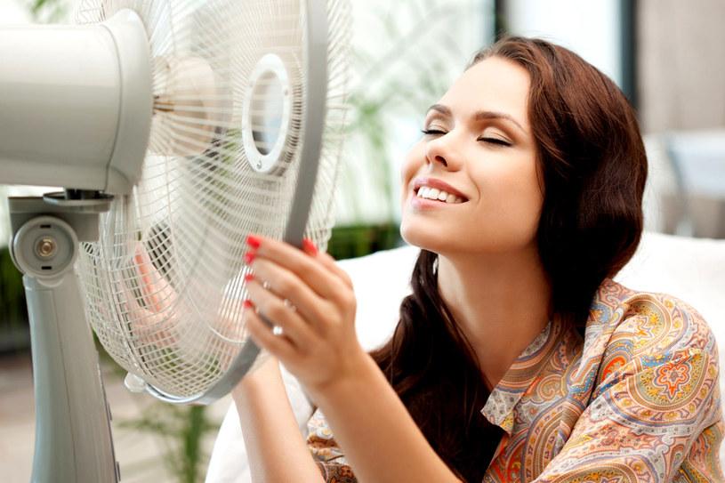 W upalne dni zadbaj o swój komfort i nie forsuj się /123RF/PICSEL