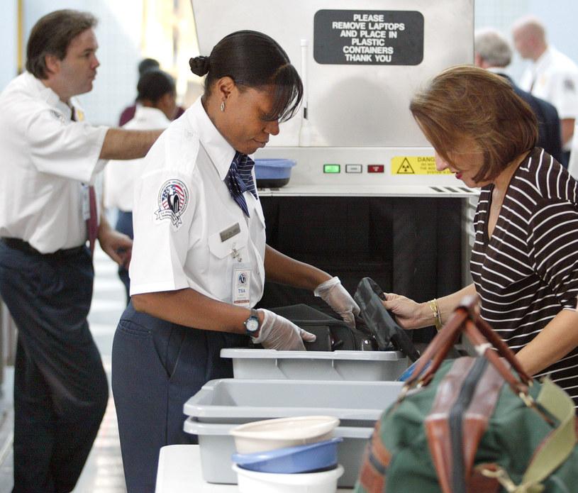 W USA po 9/11 powołano do życia TSA (Transportation Security Administration), urząd dedykowany kontroli pasażerów na lotniskach /Tim Boyle /Getty Images