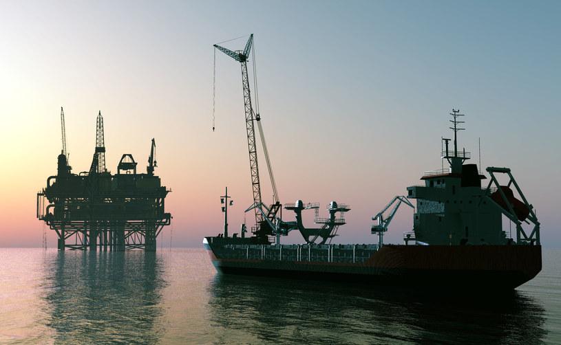 W USA ropa blisko 61 dolarów za baryłkę /123RF/PICSEL