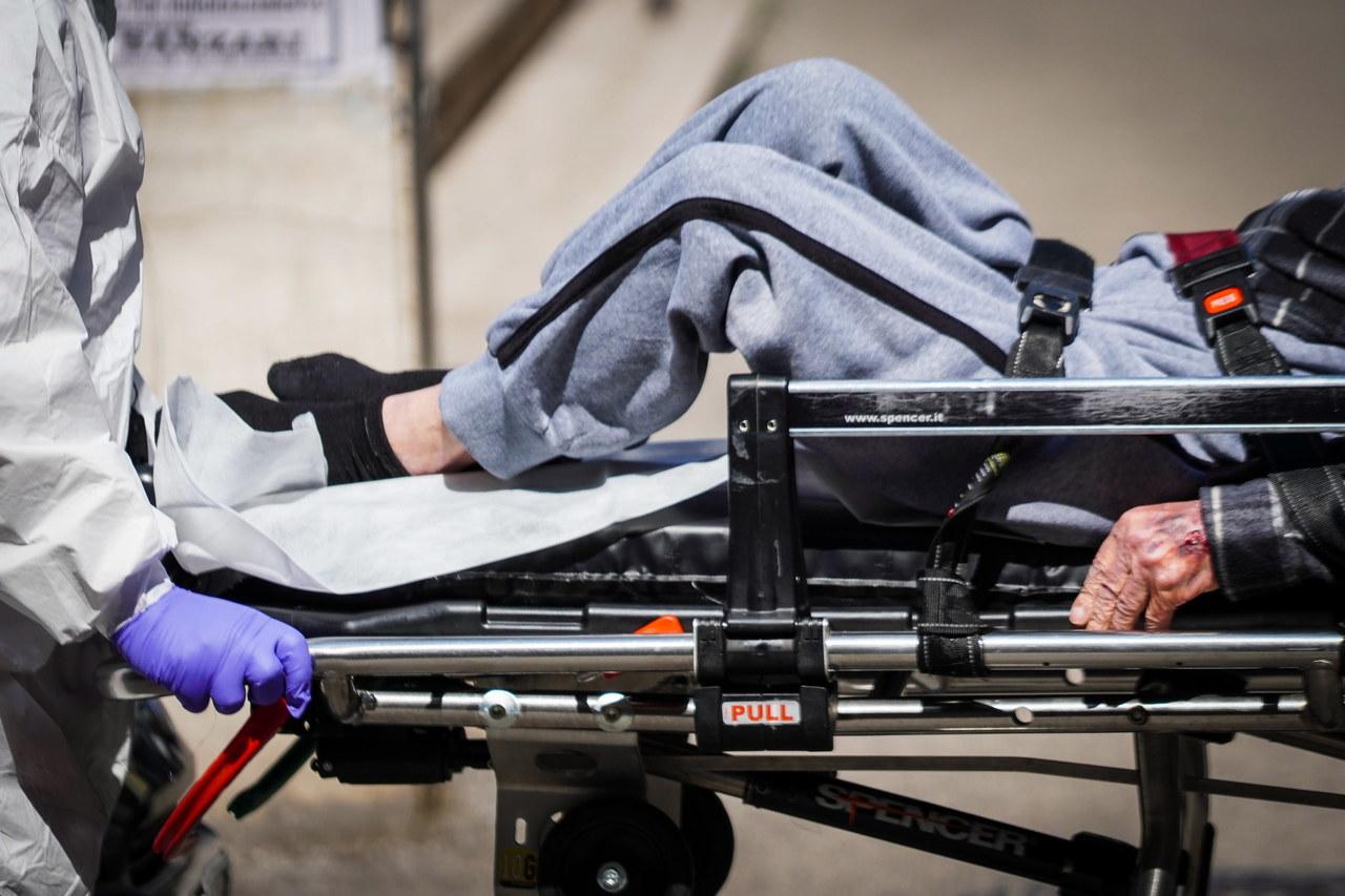 W USA zabraknie respiratorów. Lekarze będą musieli wybierać, kto przeżyje