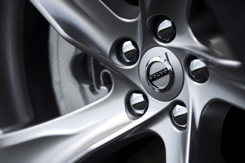 W uzasadnionych przypadkach Volvo samoczynnie wyhamowuje, by nie doprowadzić do zderzenia /INTERIA.PL