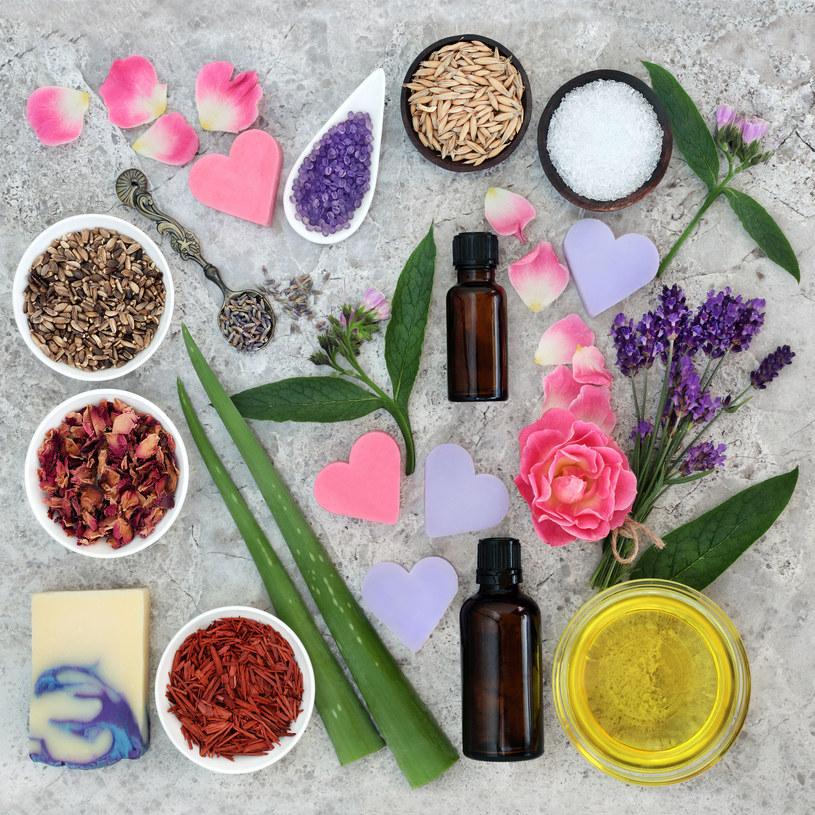W walce z problemami skórnymi naturalne składniki są niezawodne /123RF/PICSEL