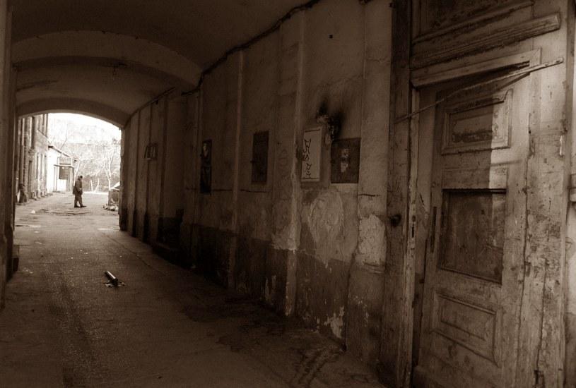 W Warszawie do dziś są miejsca, w które lepiej się nie zapuszczać... /East News
