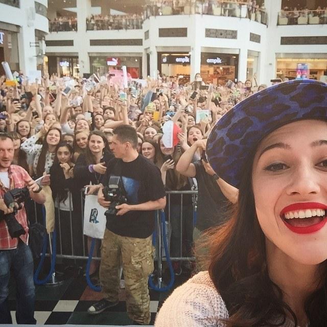 W Warszawie na Lodovicę czekały tłumy fanek. Każda chciała zdobyć jej autograf /Facebook /materiały prasowe