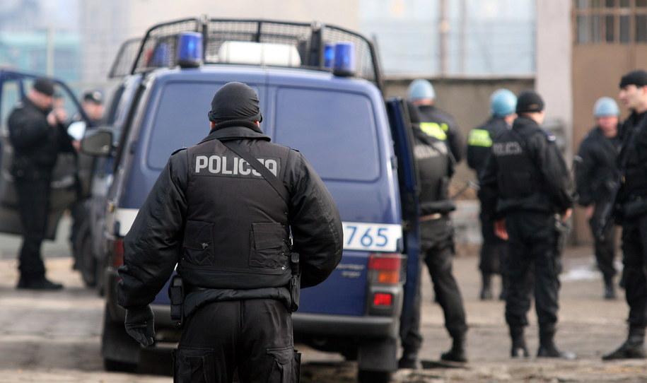 W Warszawie trwa obława na dwóch bandytów, którzy po południu ukradli konwojentowi 400 tysięcy złotych (zdjęcie ilustracyjne) /Bogdan Borowiak  /PAP