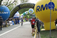 W Warszawie wystartował Skandia Maraton Lang Team 2013
