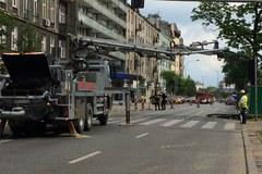 W Warszawie zapadła się jezdnia nad metrem