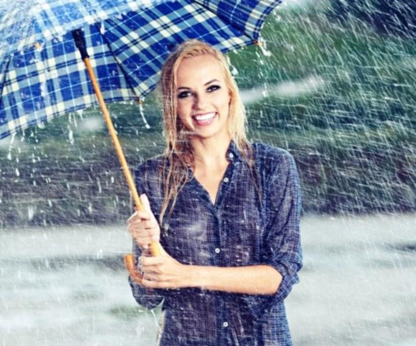 W weekend parasol na pewno się przyda /123RF/PICSEL