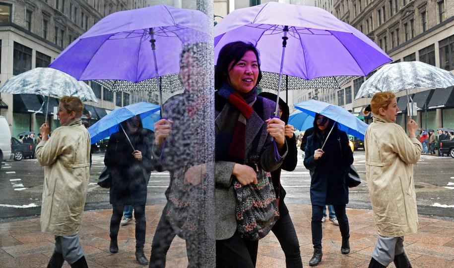 W weekend przydadzą się parasole /JUSTIN LANE /PAP/EPA