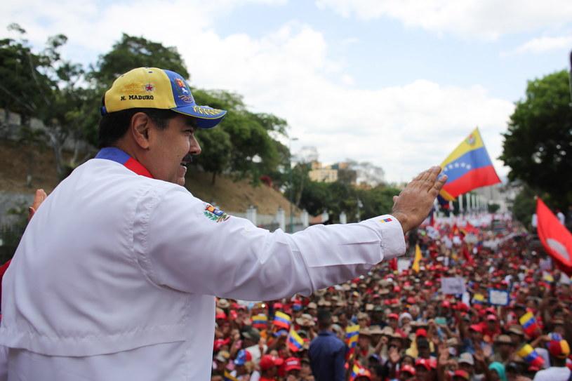 W Wenezueli trwa stan faktycznej dwuwładzy, pogłębia się najgłębszy kryzys polityczny i gospodarczy w jego historii; Na zdj. Nicolas Maduro /PRENSA MIRAFLORES HANDOUT /PAP/EPA