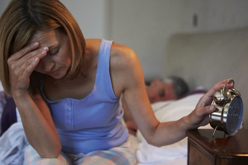 W większości przypadków za kłopoty ze snem odpowiada stres /123RF/PICSEL