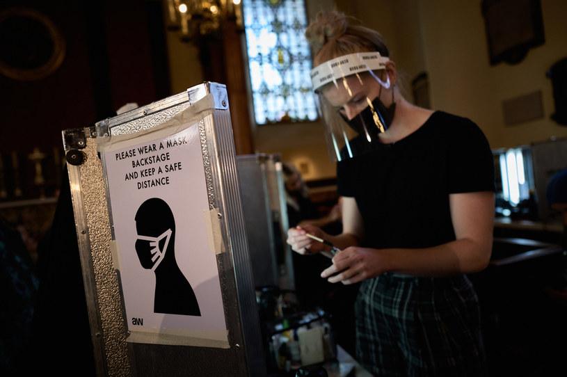 W Wielkiej Brytanii gwałtownie rośnie liczba nowych zakażeń koronawirusem / Gareth Cattermole/BFC /Getty Images