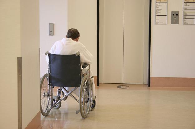 W wielu lecznicach chorzy nie mogą używać czajników, grzałek, a nawet ładowarek do telefonów /© Panthermedia