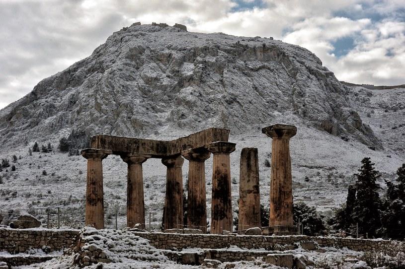 W wielu regionach Grecji ogłoszono stan wyjątkowy z powodu ostrzej zimy. /PAP/EPA