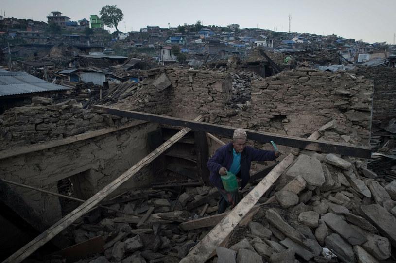 W wyniku kataklizmu tysiące domów runęło w gruzach /NICOLAS ASFOURI / AFP /East News