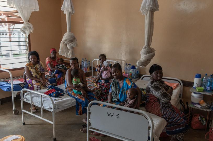 W wyniku pandemii koronawirusa w samej Afryce może umrzeć 300 tys. osób /Fot. Jędrzej Nowicki/PMM