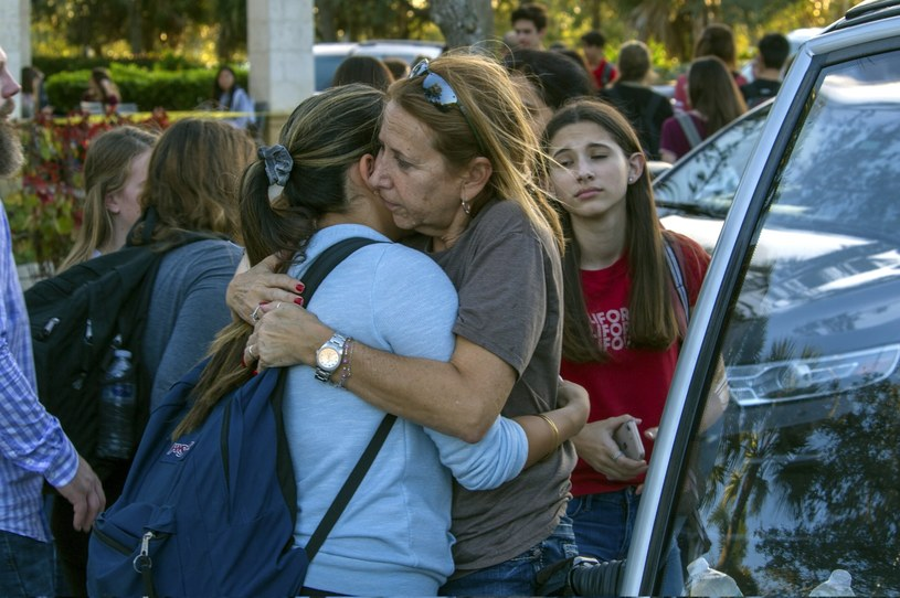 W wyniku strzelaniny w liceum Parkland zginęło 17 osób /GIORGIO VIERA /PAP/EPA