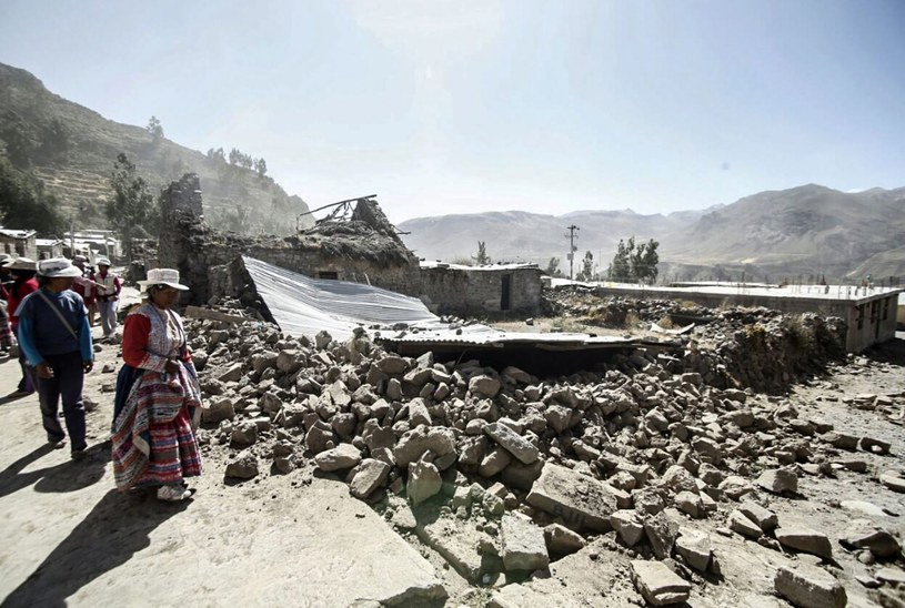 W wyniku trzęsienia wiele domów i budynków uległo zawaleniu /ANDINA NEWS AGENCY  /PAP/EPA