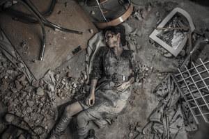 W wyniku zamachu bombowego zginie Laura (Ewa Bukowska) /Grzegorz Gołębiowski /ATM