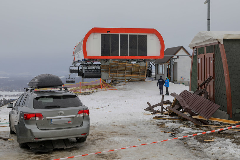 W wyniku zdarzenia zginęły trzy osoby / Marcin Szkodzinski /Agencja FORUM