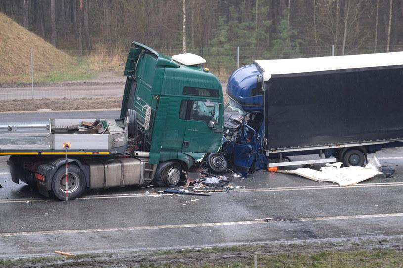 W wypadku brało udział pięć pojazdów /PAP/Andrzej Grygiel    /PAP