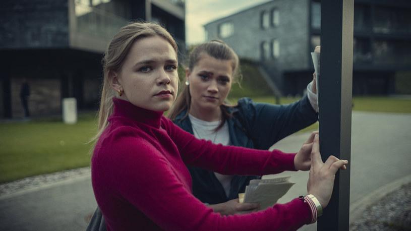 """W """"Zachowaj spokój"""" pojawią się też aktorzy młodego pokolenia: Agata Łabno, Marta Piętka, Jakub Pruski i Mikołaj Śliwa. /Netflix /materiały prasowe"""