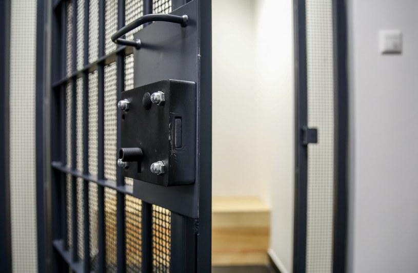 W zakładach karnych i aresztach śledczych od 1 czerwca odbywają się na nowo widzenia /KAROLINA MISZTAL/REPORTER /East News