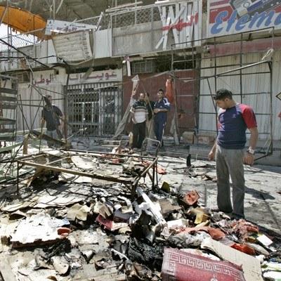 W zamachach terrorystycznych w Iraku każdego miesiąca ginie kilkaset osób /AFP