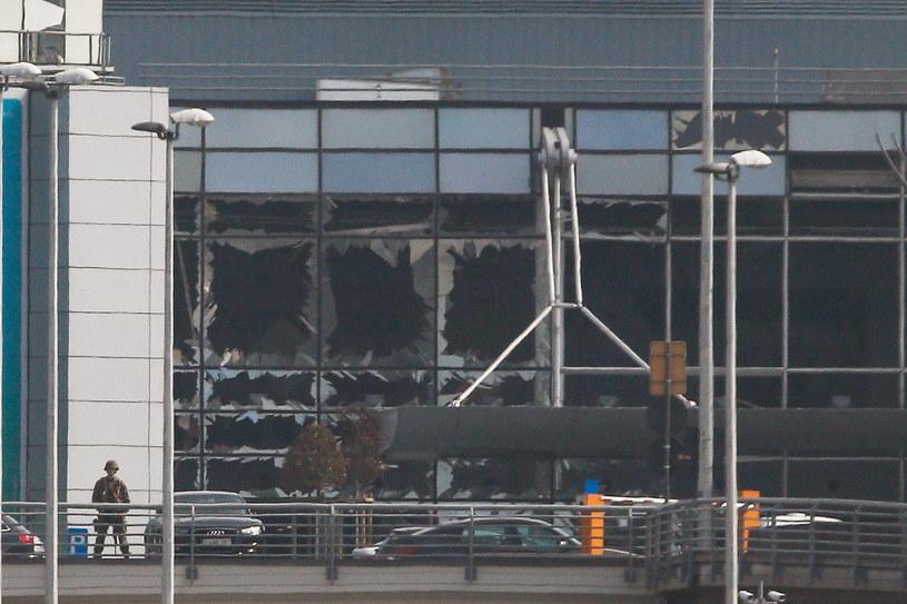 W zamachach w Brukseli zginęło 31 osób, a ponad 300 zostało rannych /PAP/EPA