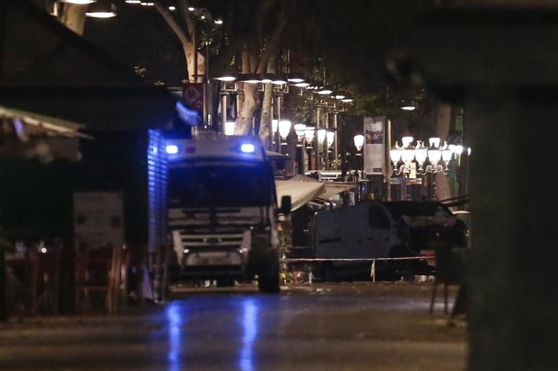 W zamachach w Hiszpanii zginęło co najmniej 13 osób, a ponad 100 jest rannych /AFP