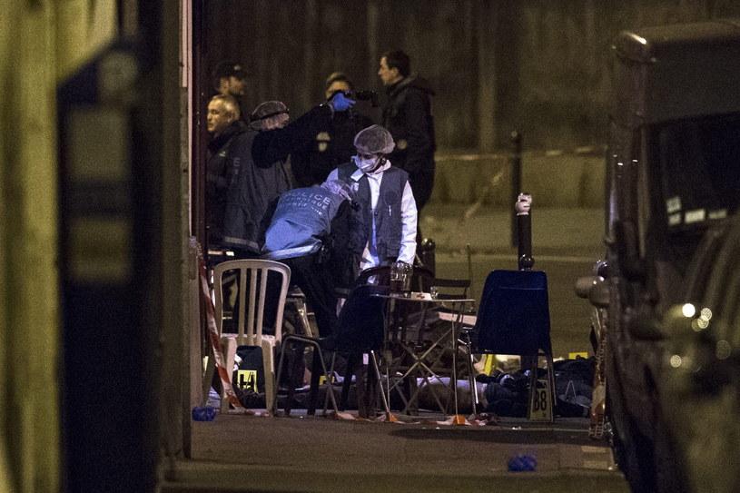 W zamachach zginęło co najmniej 120 osób /PAP/EPA