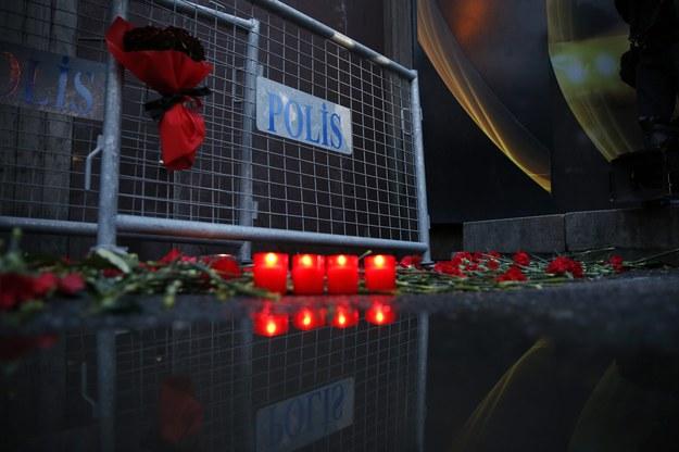 W zamachu w Stambule zginęło 39 osób /PAP/EPA/DENIZ TOPRAK  /PAP/EPA