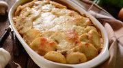 W zapiekance z ziemniakami i cukinią
