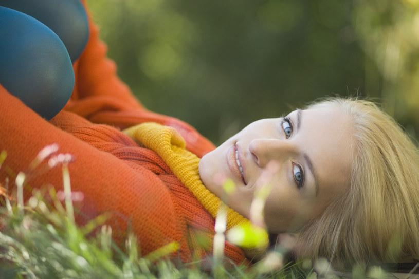 W zimne dni skórę trzeba przede wszystkim odżywiać i nawilżać /© Photogenica