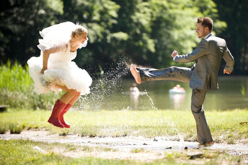 W związku partnerskim mówimy: niczego sobie nie obiecywaliśmy. A ślub to jednak symbo - bo sobie przysięgamy To ma swoją moc. /123RF/PICSEL