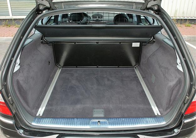 w211 bagażnik /Motor