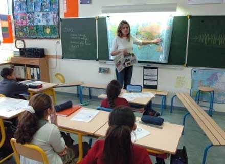Wagarowanie może być symptomem fobii szkolnej /AFP