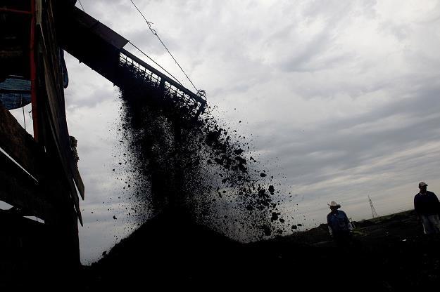 Wakacje dobry czas na zakup węgla /AFP
