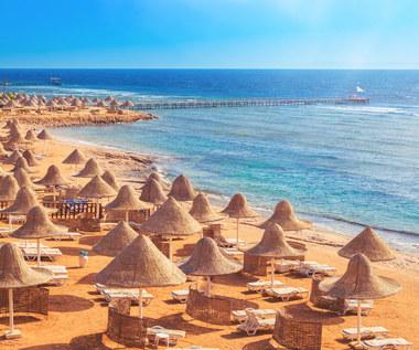 Wakacje. Egipt pokryje koszty kwarantanny i leczenia