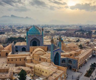 Wakacje. Iran zapowiada otwarcie granic dla zaszczepionych