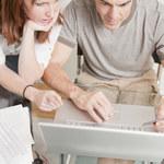 Wakacje kredytowe to pomoc, za którą zapłacimy