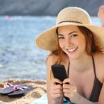 Wakacje, służbowy smartfon i wielkie kłopoty. Jak ich uniknąć?